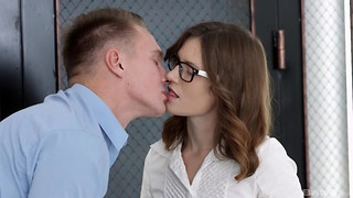 Sofy Topp is a geeky dark haired interested in shagging a super-steamy guy