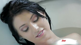 Bathing stunner Megan Piper makes enjoy to his fuckpole in the douche