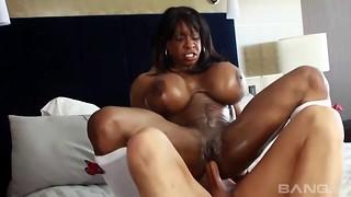 Ebony Mummy called Yvette and the milky wood inwards her fuckhole