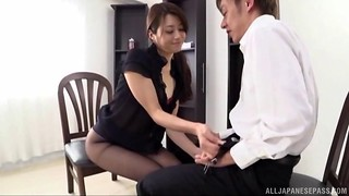 Gifted Asian gal uses her jaws to make a fortunate dude jism