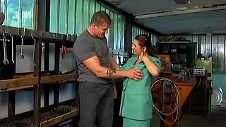 Randy grandmother with saggy fun bags pays the mechanic with mischievous hump
