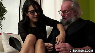 Nerd chick Carolina likes to drill elderly men