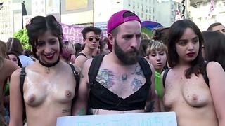 Sans bra Argentinian protesters