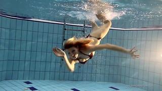 Nastya steamy ash-blonde nude in the pool