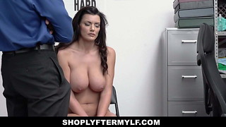 ShopLyfterMYLF - Big-boobed Mummy Shoplifter Blows Security
