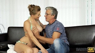 DADDY4K. Adorable dame Victoria has a kick on her beau