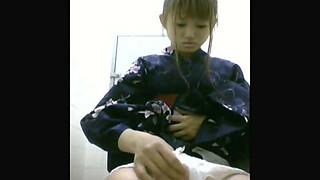 Chinese teenage in kimono caught urinating
