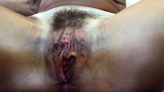 Yoga cougar massages herself to climax