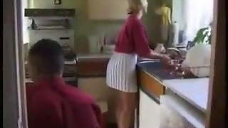 HYE Housewife Likes A Quickie In The Kitchen !