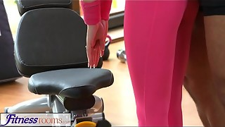 FitnessRooms Gym teacher pulls down her yoga trousers for fuck-a-thon