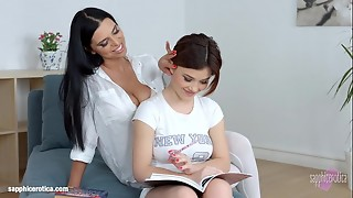 Spunky lezzy bang-out with Kyra Princess and Veronica Moore on Lesbo Erotica