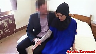 Muslim fledgling gives head before porking