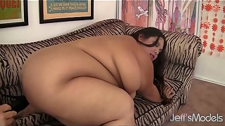 Jumbo Sized Tart Takes a Ample Jizz-shotgun in Her Appetizing Vulva