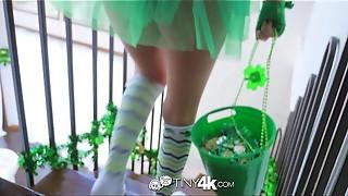 Tiny4K Festive chesty Alexis Adams porks her beau on St Patricks day