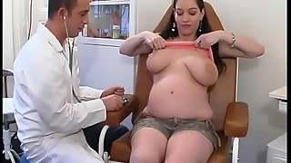 Vicious gynaecologist tastes the patient'_s vagina