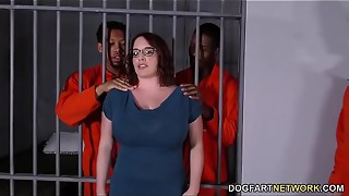 Huge-titted Maggie Green Has Bi-racial 3some In Prison