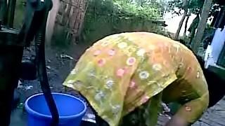 BANGLADESHI VILLAGE Dame Tub