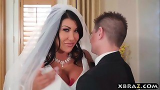 Humungous milk cans bride cheats on her wedding day with the hottest guy