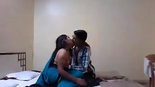 Chatting Mangala Bhabhi Suhaagraat Flick part 1