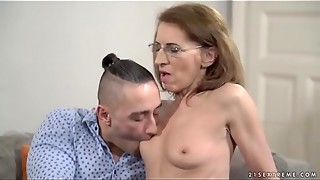 Senior psychiatrist and her patient - Viol and Mugur