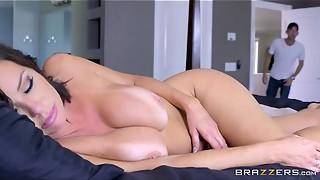 Brazzers - Veronica Avluv - Mummy Got Mammories