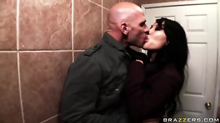 Asa Akira,Johnny Sins,Lisa Ann and Scott Fucks in activity