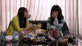 Pee Gulping Girl/girl Enjoy Drama