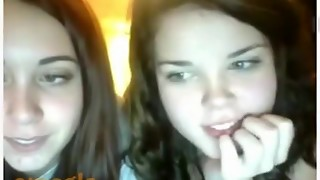 2 sweethearts have fun 'the omegle game intercourse challenge'. that highscore is theirs !!!