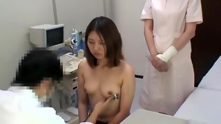 Hidden web cam cam recorded a bare hottie who came to her doc