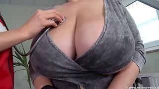 Cougar Humungous Hooter Needs Help-1080p