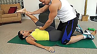 Cougar Tara Holiday is ravaged by her gym educator