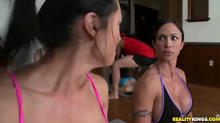 Yoga Groupsex