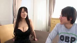 Hitomi Tanaka (Gives Blow-Job,Titty-Fuck & Hand-Job) 1080p