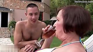 Eve Tickler gets the Rob