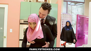FamilyStrokes - Huge-chested Girl Rails Gigantic Penis In Hijab