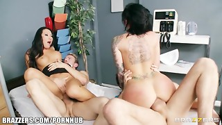 Groupie doll & clinic nurse commence lovemaking with 2 dog collar members