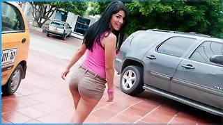 CULIONEROS - Yam-sized Donk Armenian Stunner Mariana Deepthroats And Pummels