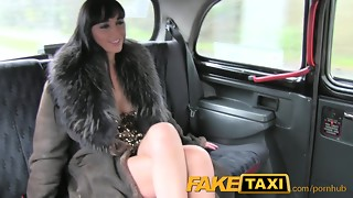 FakeTaxi Hooker trades ass-fuck for free rail