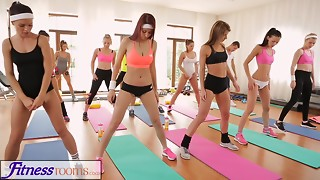 FitnessRooms Barbara Bieber has a sexual exercise after gym class