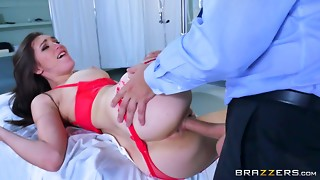 Muddy medic Holly Micheals - Brazzers