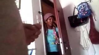 Maid Demonstrate -