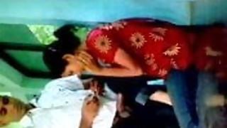 Bangladeshi Muslim chick Farzana drilling her boyfriend secretlly