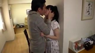 jeune salope japonaise soumise baisee boyfriend pere pervers