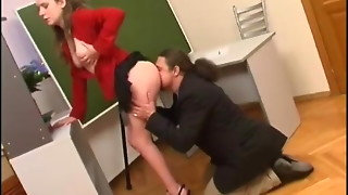 Senior dude have fuck-fest with youthfull assistant