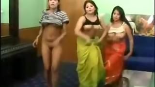 Magnificent pakistani ladies bare mujra