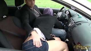 Sarah AbdelKhader suce sonnie mec dans la voiture Beurette Trip