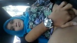 Desi professor Bhabhi labia fingerblasting in car by boyfriend bellowing