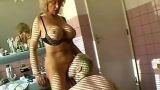 Super hot grandma having fuckfest in douche