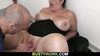 Plus-size in pantyhoses rails his meaty pecker