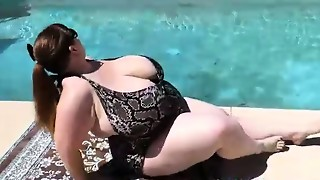 Spectacular SSBBW Lexxxi Luxe Taunts Pool Stud By Going Bra-less